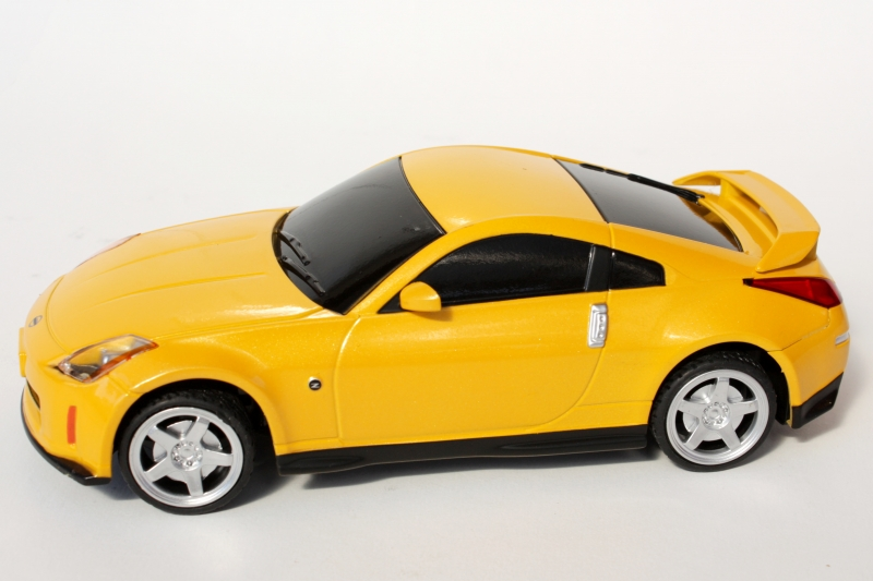 Nissan 350Z cu Telecomanda, Scara 124