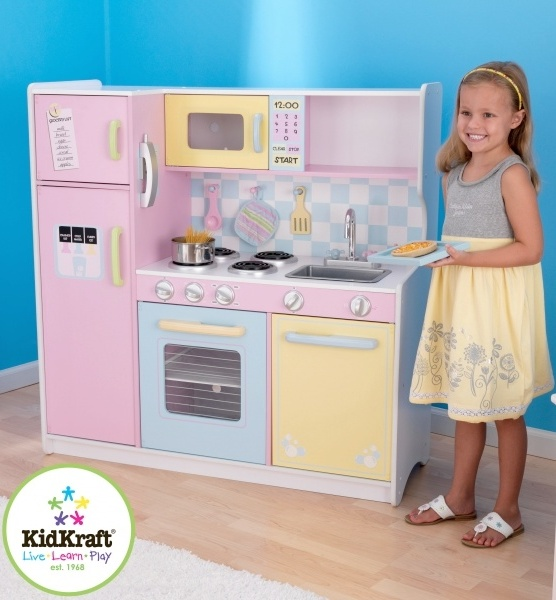 Bucatarie Large Pastel Kitchen