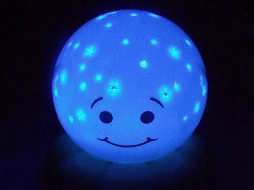 Lampa de veghe Caracatita Twinkles To Go Blue