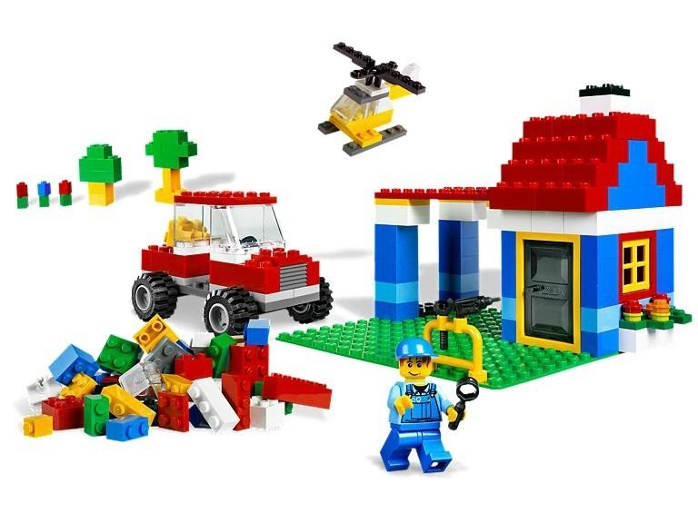 Cutie mare LEGO