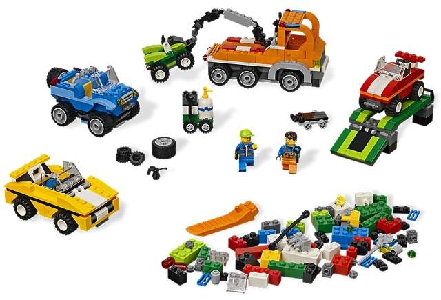 Distractie cu masinute LEGO