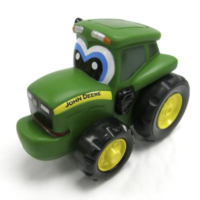Tractorul Johnny apasa si merge