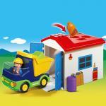 1.2.3: Camion cu garaj