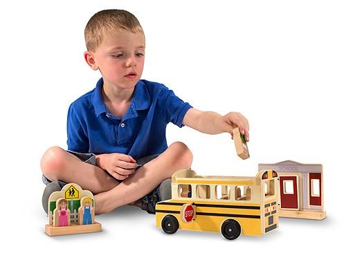 Autobuzul scolar -set de joaca din lemn