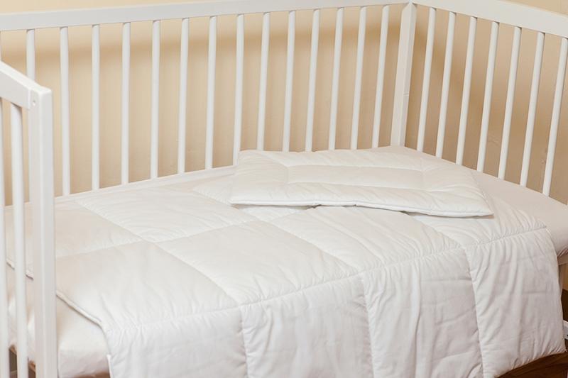 Set alb paturica si perna 90x120 (pentru primavara  vara)