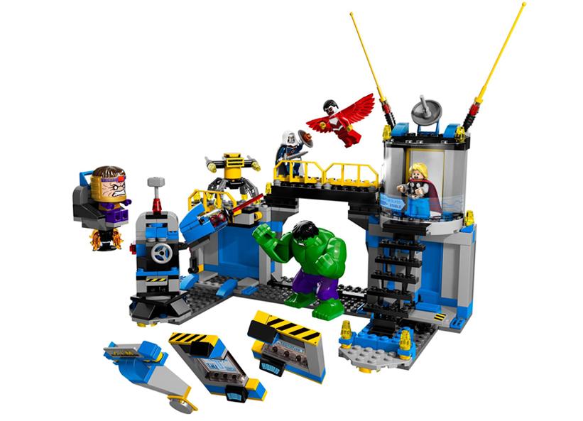 Distrugerea laboratorului Hulk (76018)