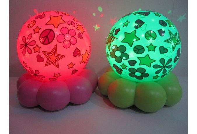 Lampa viselor Groovy Globes Aqua Flower Hearts
