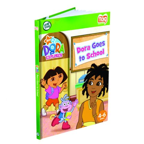 Carte interactiva LeapReader Dora merge la scoala