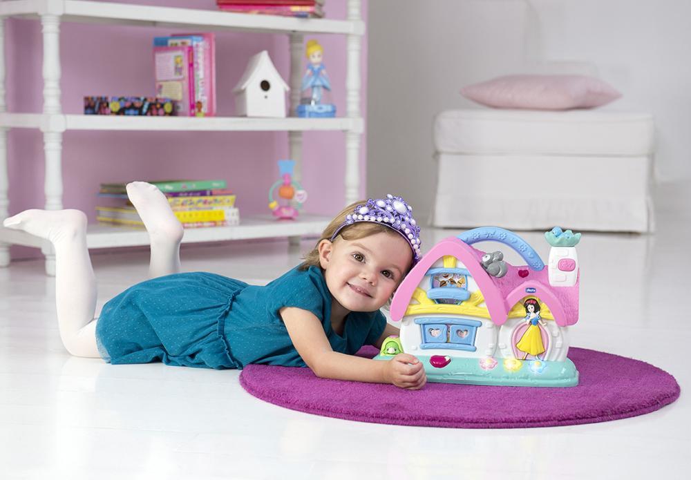 Jucarie Chicco Disney Casuta muzicala a Albei ca Zapada si celor 7 pitici 12 luni+
