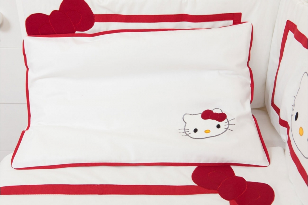 Lenjerie patut 60 x 120 cm Hello Kitty