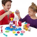 Set Plastilina Play-Doh Town - Petrecere cu tort