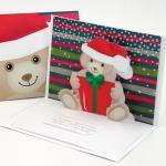 Felicitare 3D stil Origami-Ursulet cu cadou