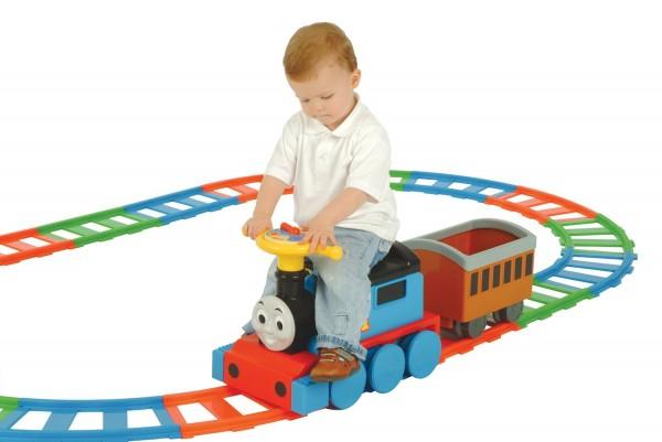 Trenulet electric copii Thomas cu traseu din sine 6V