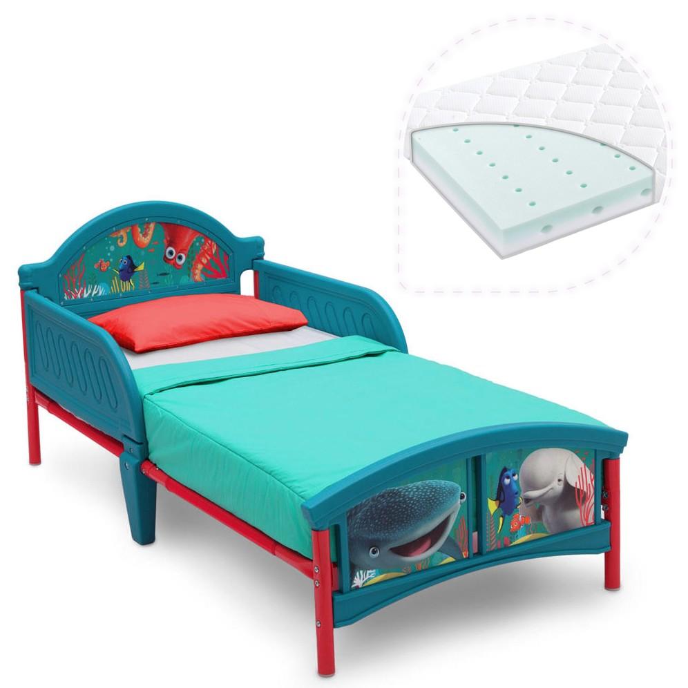 Set pat cu cadru metalic Finding Dory si saltea pentru patut Dreamily - 140 x 70 x 10 cm