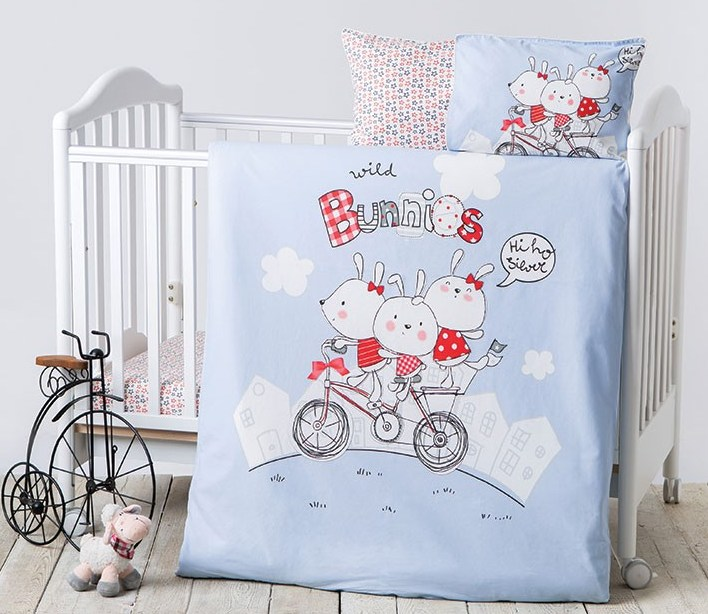 Lenjerie patut cu 7 piese si protectii laterale complete Bunnies 60x120 cm
