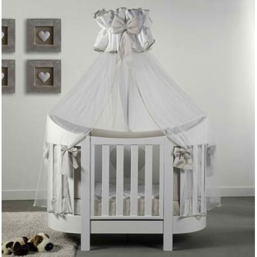 Patut bebelusi Eva oval din lemn masiv cu saltea inclusa