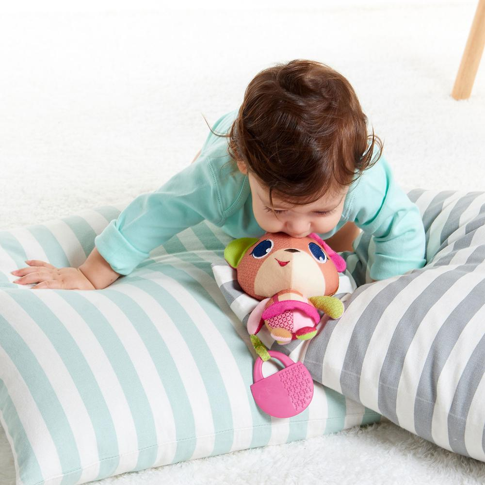Jucarie zornaitoare Tiny Princess Tales Izzy