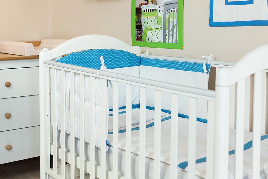 Lenjerie patut bebe cu 5 piese Bulinute 120 x 60 cm