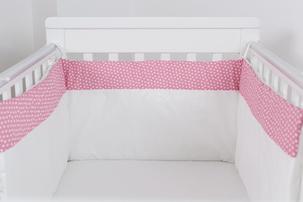 Protectie jumatate patut bebe cu roz 120 x 60 cm Inimioare