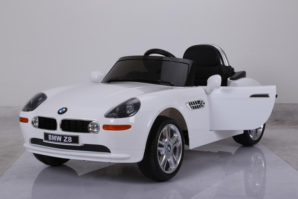 Masinuta electrica cu roti eva BMW Z8 Alb