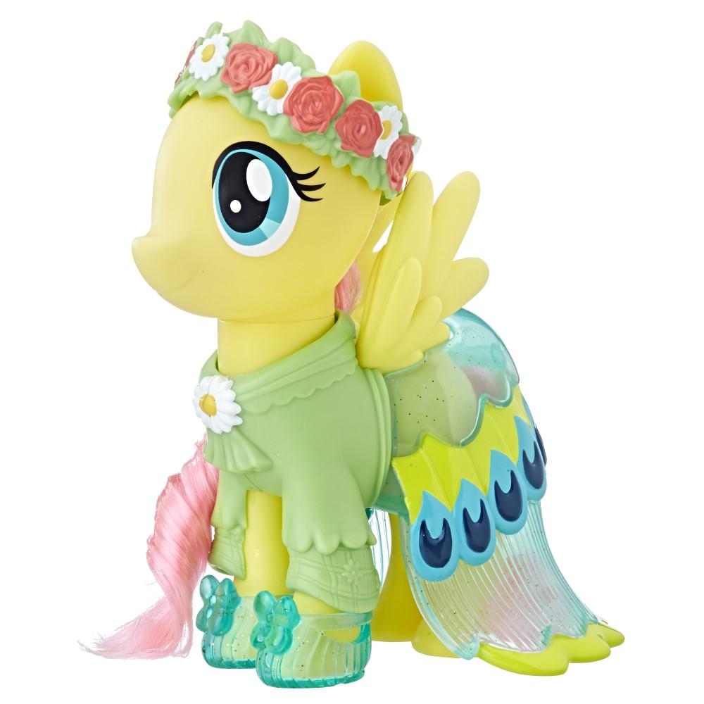 Ponei Fluttershy cu aripioare si hainute My Little Pony