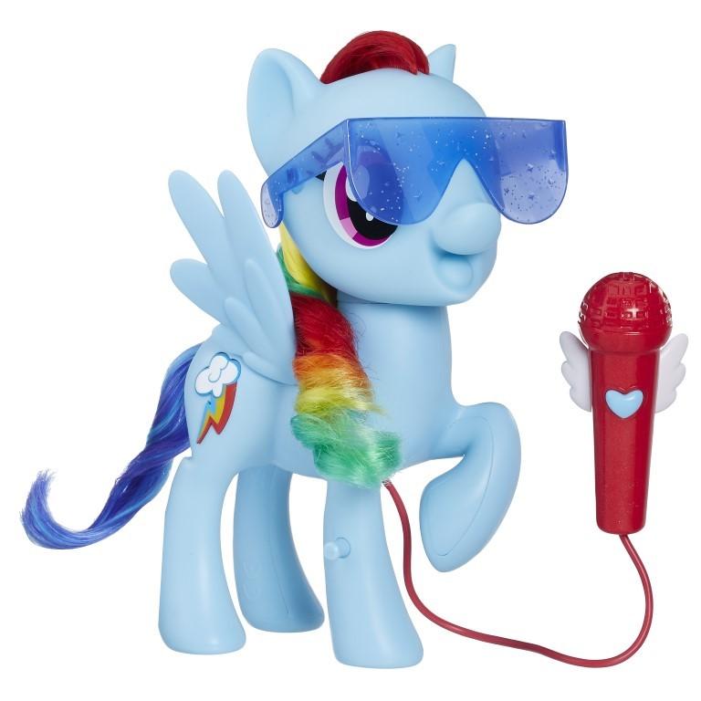 Poneiul Rainbow Dash canta cu el My Little Pony