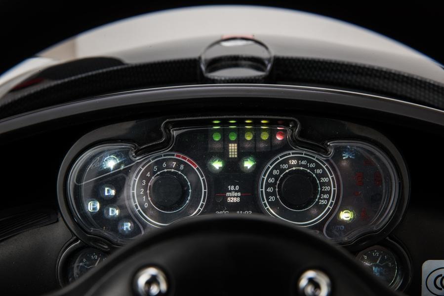 Masinuta electrica Pagani Zonda cu telecomanda si roti din cauciuc Red