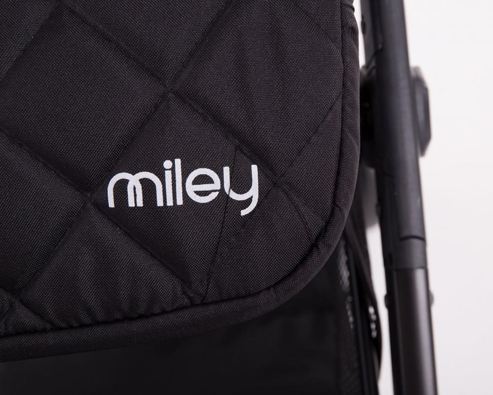 Carucior sport cu husa picioare Miley Black