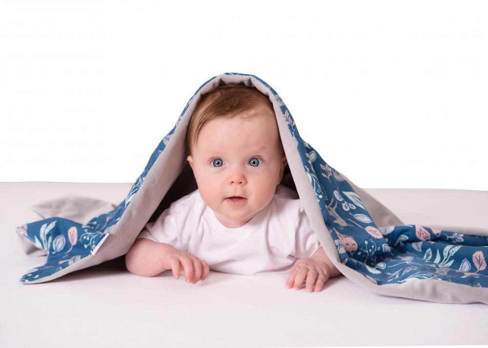 Paturica bebelusi cu doua fete 75x100 cm Velvet Animals 04