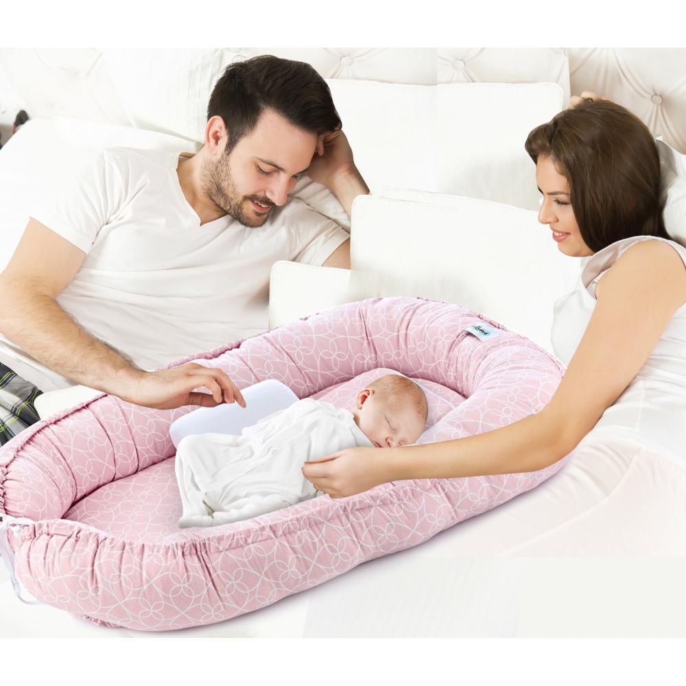 Saltea reductor BabyNest Between parents Pink Clover