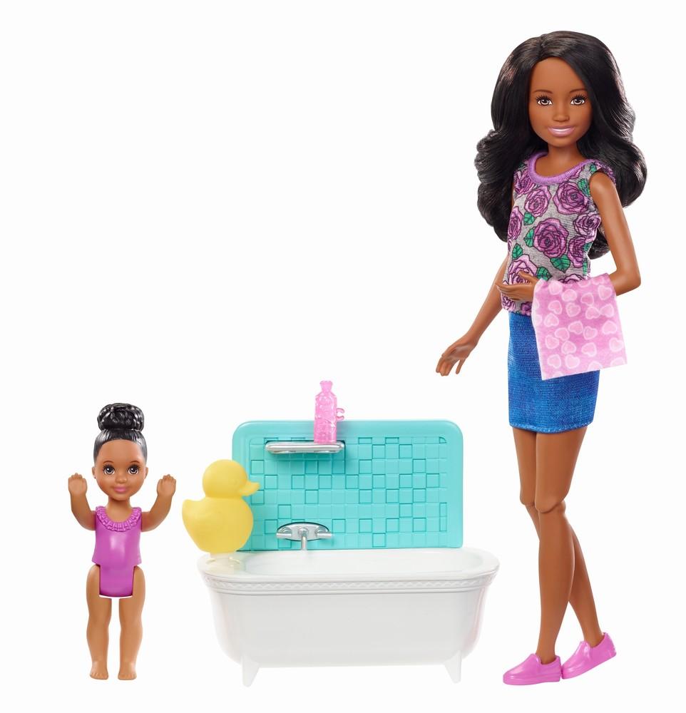 Papusa Barbie mamica bruneta cu bebelus