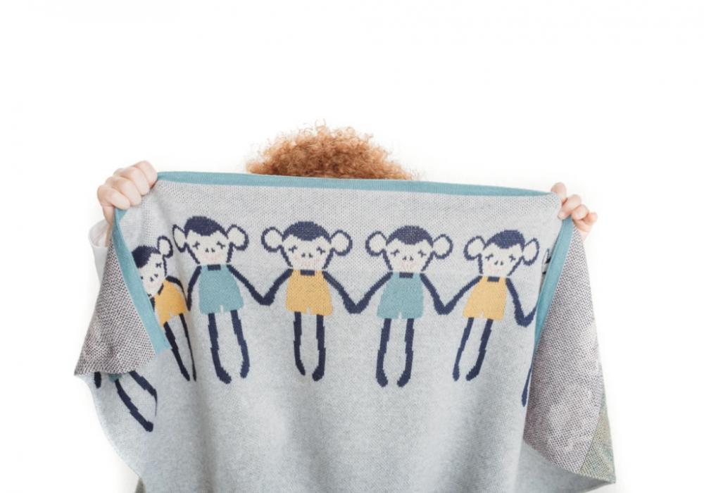 Paturica tricotata din bumbac Gri cu Maimute Colorate imagine
