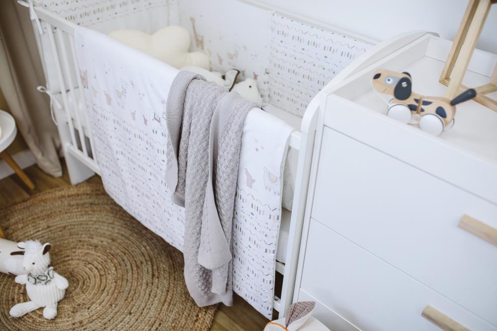 Set de pat pentru bebelusi Happy lama 6 piese bumbac