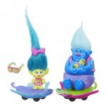 Set figurine Trolls pe skate