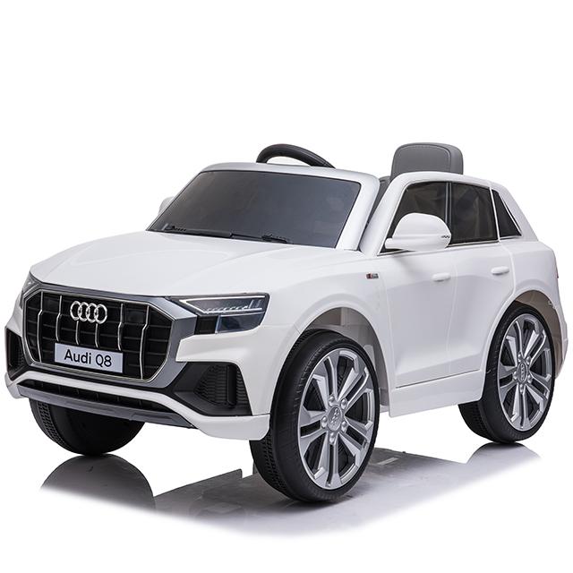 Masinuta electrica cu scaun de piele si roti din cauciuc EVA Audi Q8 White