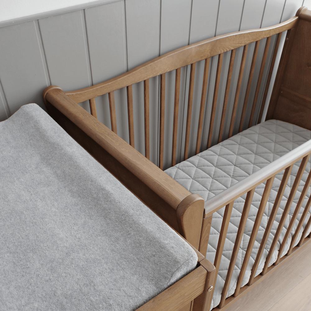 Patut bebe din lemn masiv Noble Vintage