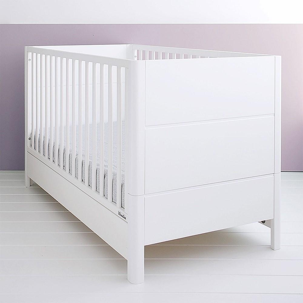 Patut din lemn masiv transformabil pentru bebe si junior Smooth