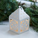 Decoratiune ceramica tip felinar Olina Snowflake led alb mat