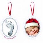 Kit rama foto ovala cu amprenta din cerneala Babys First Christmas Pearhead