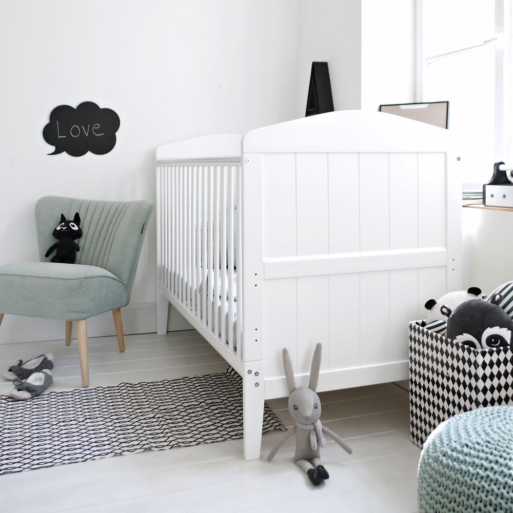 Patut din lemn masiv transformabil pentru bebe si junior Hampton 140 x 70 cm imagine
