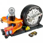 Pista de masini Hot Wheels by Mattel City Super Spin Tire Shop