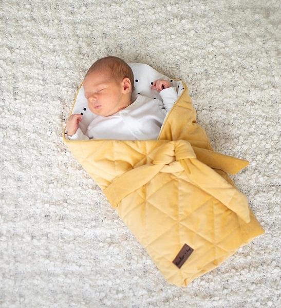 Port bebe textil pentru transportul bebelusilor Mustard