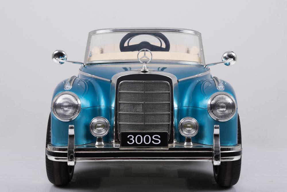 Masinuta electrica de epoca cu scaun din piele si roti EVA Mercedes Benz 300S Paint Blue
