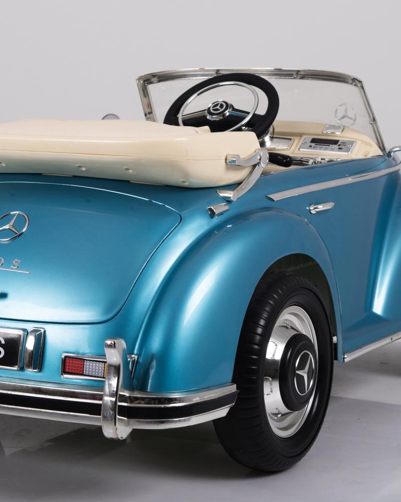 Masinuta electrica de epoca cu scaun din piele si roti EVA Mercedes Benz 300S Paint Blue - 1