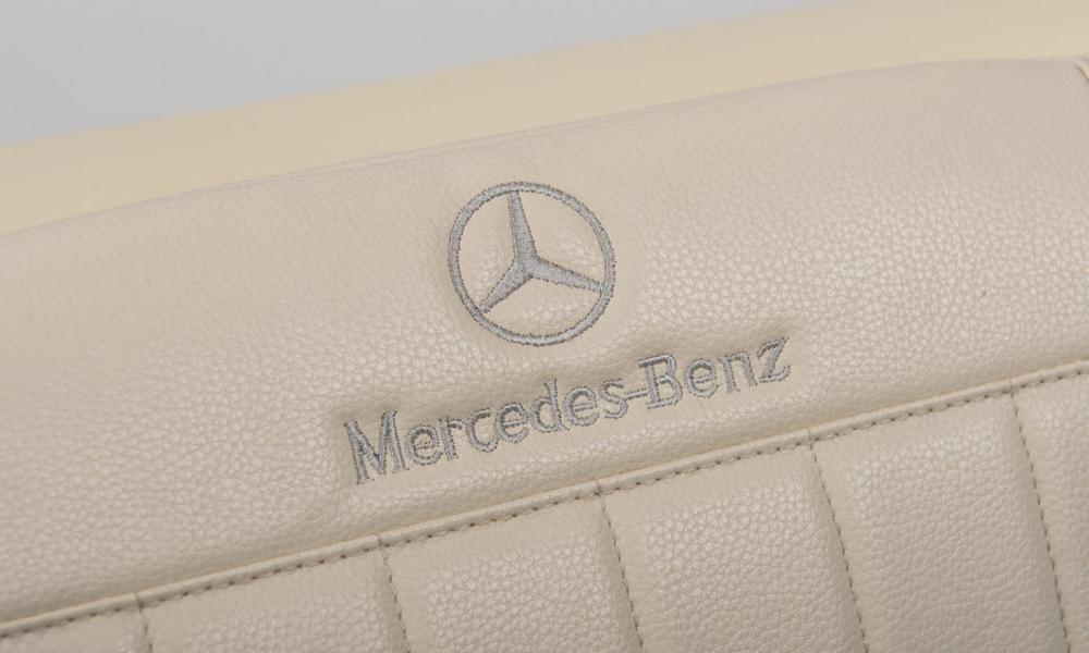 Masinuta electrica de epoca cu scaun din piele si roti EVA Mercedes Benz 300S Paint Red
