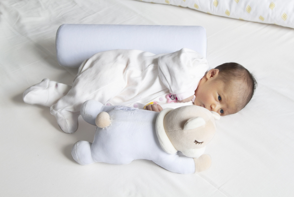 Pernuta pozitionator anti-rasucire pentru bebelusi BabyJem Teddy Blue imagine