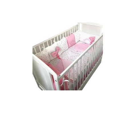 Lenjerie personalizata cu aparatori din 7 pernute pufoase Roz cu stelute gri pe alb 140x70 cm