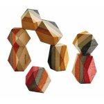 Joc de stivuit cu blocuri din lemn