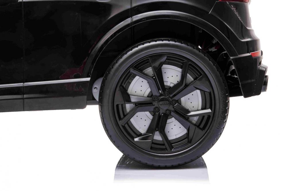 Masinuta electrica cu scaun de piele si roti cauciuc Audi RS Q8 Black